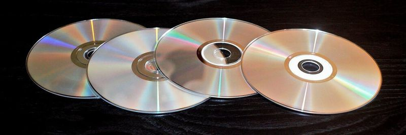 In the era of optical media, the software release was still synonymous with the market launch of the main version of a software.